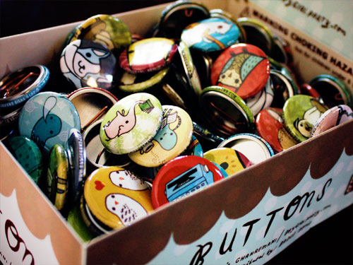 boygirlparty badge bomb buttons